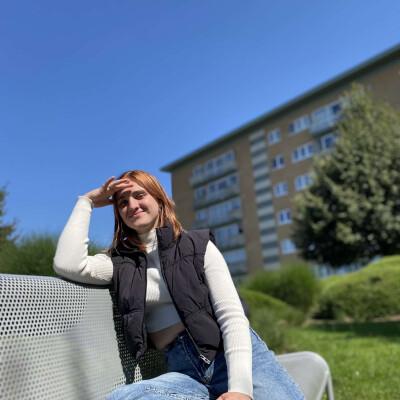 Selina is looking for a Room / Apartment / Studio in Antwerpen