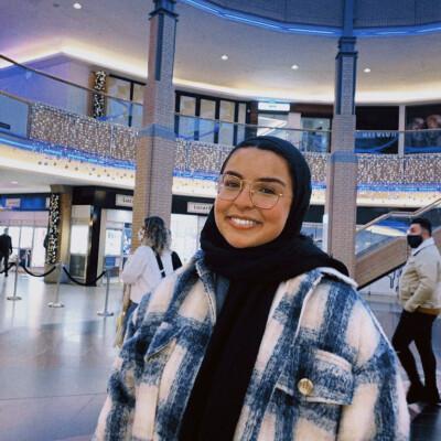 Loubna zoekt een Kamer / Appartement / Studio in Antwerpen